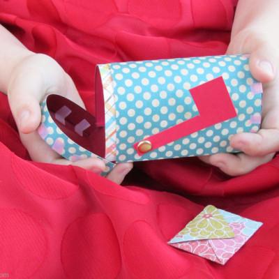 Valentine Papercraft: Free Printable Mailbox & Mini Valentine's Day Cards