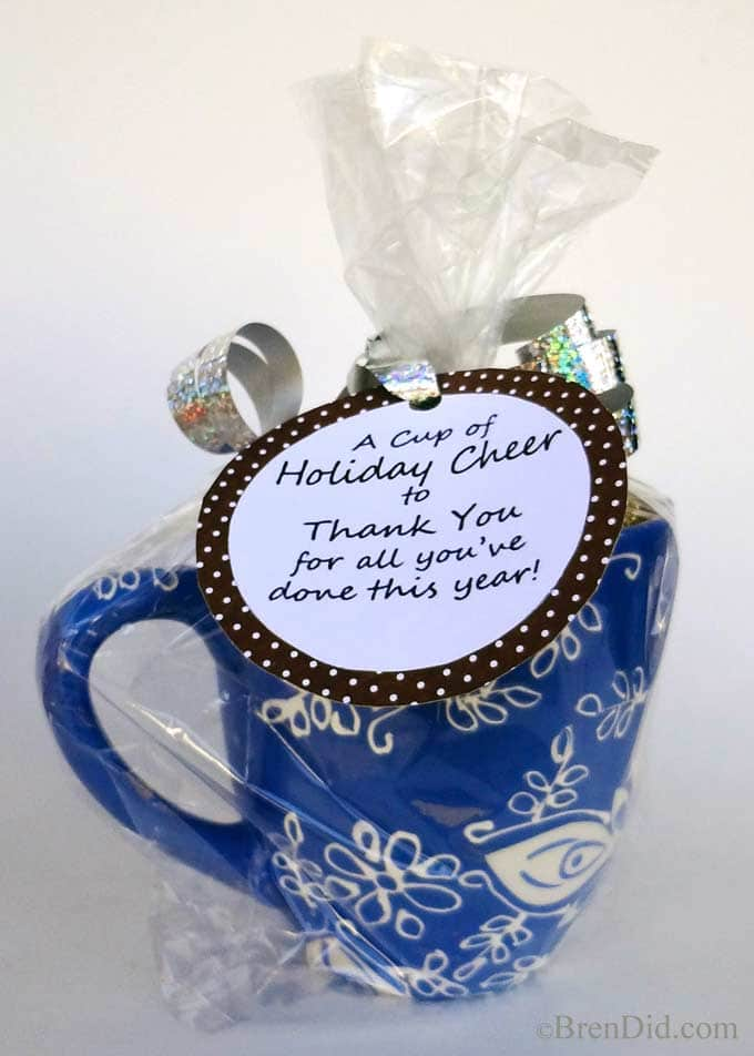 Need a last minute teacher gift? Make a treat filled mug with a free printable gift tag. Total cost less than $4 per gift.