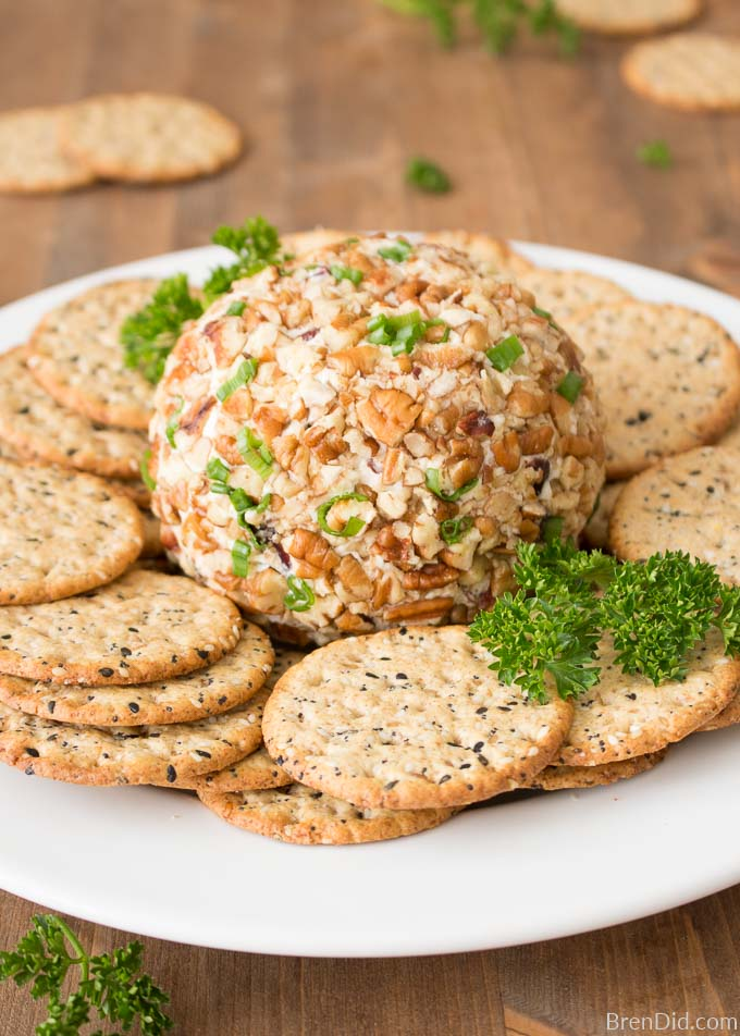 Gorgonzola Cheese Ball with crackers