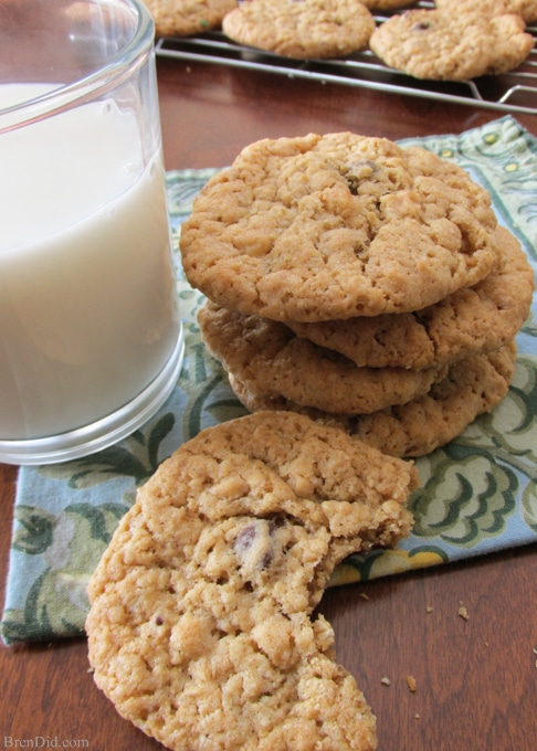 BrenDid Piece of My Heart Oatmeal Chocolate Chip Cookies: healthy oatmeal chocolate chip cookies