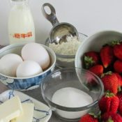 BrenDid Strawberry Puffed Oven Pancake