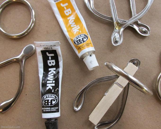 BrenDid Thanksgiving Table Ideas DIY Wishbone Napkin Rings
