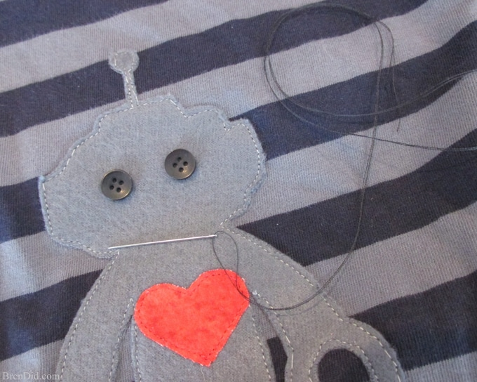 Celebrate Valentine's Day with a simple Robot Appliqué T-shirt Pattern and Free Printable Valentine Card. Did you know that robots love Valentine's Day? They're Nuts and Bolts about it! Get all the details at BrenDid.com