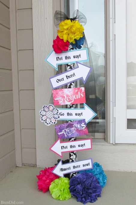 wonderland street sign for ever after high party