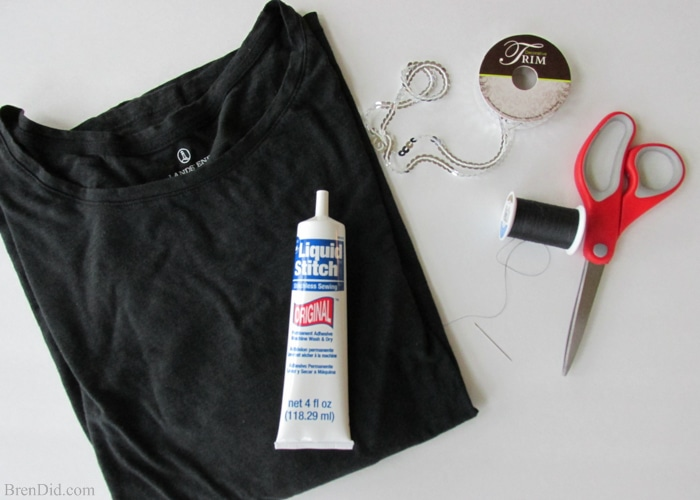 Custom Concert t-shirts are easy to make with sequin sewing trim, fabric glue and a tshirt. Make this easy DIY for your favorite musical artist or next event.