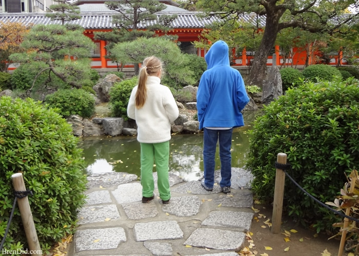 Japanese temple kids