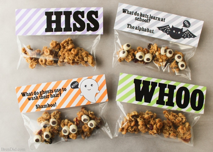 a367c2b3c364 Free printable Halloween goodie bag toppers can be used for parties