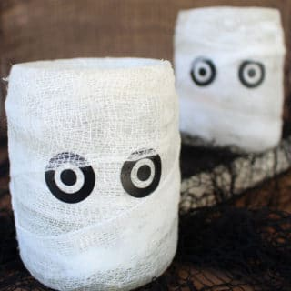 Easy Homemade Halloween Decoration: Mummy Luminary