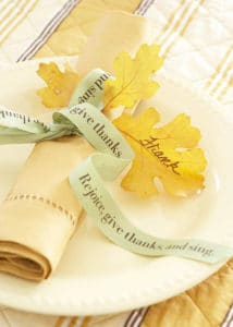 25 gorgeous diy thanksgiving napkin rings to make these adorable diy napkin rings will inspire you to make your own thnaksgiving napkin rings this solutioingenieria Images