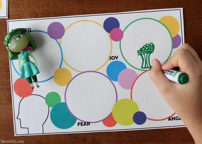 Emotions Game for Kids - Kids experience a wide range of emotions - anger, sadness, joy, fear, and disgust to name a few - but they do not always have the words or abilities to express these feelings. Help your child learn to talk about emotions by playing my free printable emotions game based on the movie Inside Out. #ad