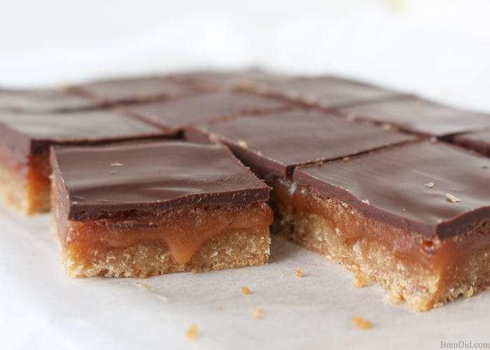 This delicious caramel slice recipe has a layer of shortbread topped w/ luscious caramel & rich chocolate. Millionaire Shortbread, No corn syrup. No sweetened condensed milk. Boxing Day favorite!