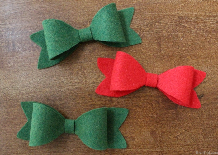 beautiful christmas bows are the perfect touch to any present learn how to make christmas