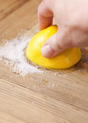 15 All Natural Homemade Lemon Cleaning Products That