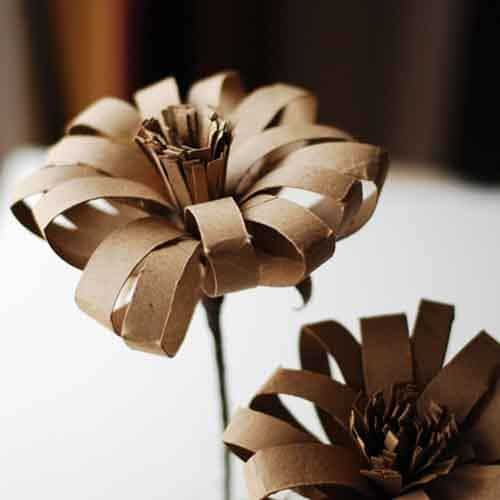 flowers made from toilet paper tube