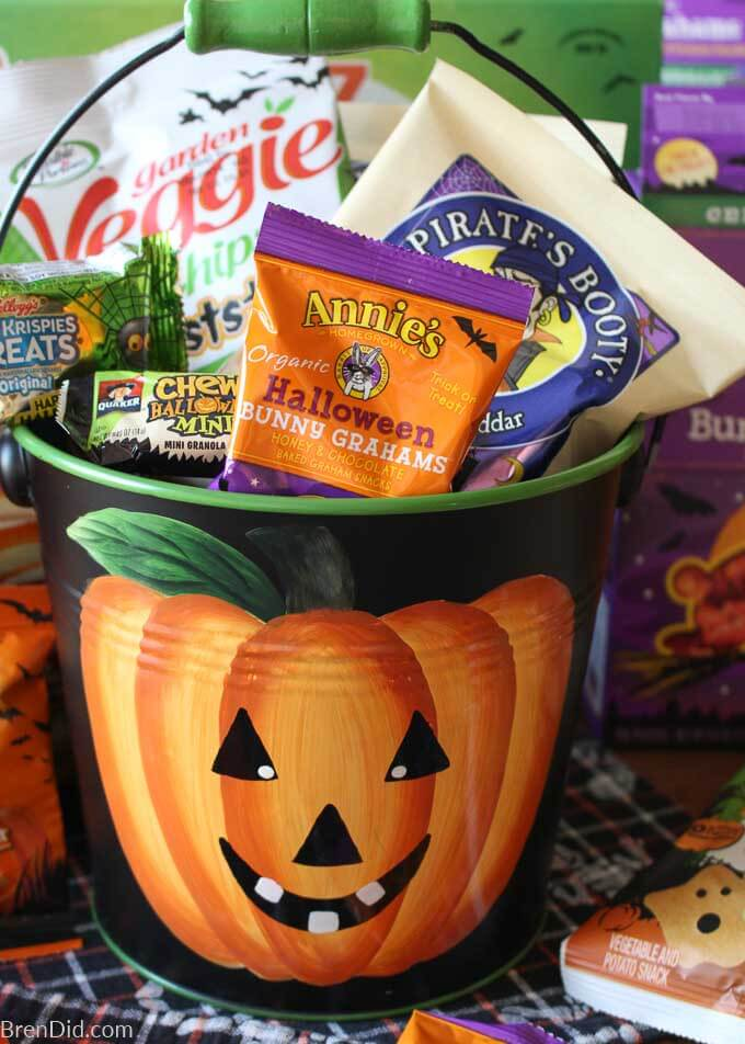 healthy snacks to buy in Halloween pumpkin pail